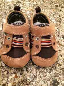 Boys Pediped Shoes - 6-12 mths Kitchener / Waterloo Kitchener Area image 2
