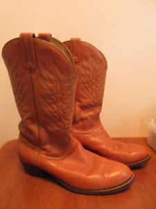Cowboy boots size 11 dan post made in wpg.man $20.00…
