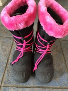 Girls weather spirits winter boots size 5