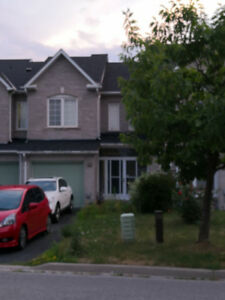 Townhouse for rent in Highway7 / Mccowan, Markham