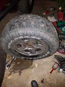 Tires and rim Chevy Silverado Kingston Kingston Area image 1