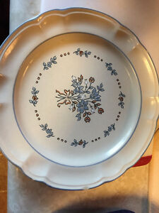 Cordelia Bluet Dinner ware