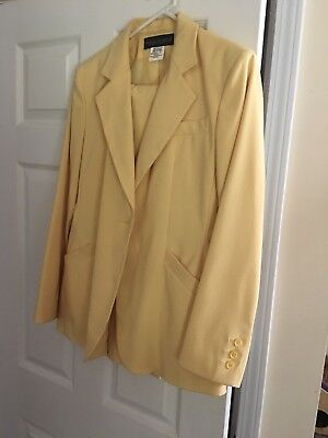 New Women's Suit, Size 8 Blazer, and pants 12,, Yellow. CUTE. Made in Ukraine