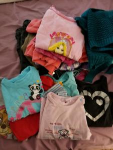 Lot de vêtements 3T  4T pour filles