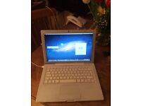 "White MacBook 13"" 2007"