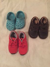 3 pairs of size 5 baby shoes