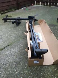 Roof rack and tow bar (brand new)