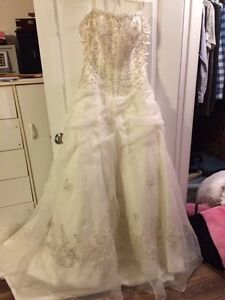 Wedding gown Sz 12 $500