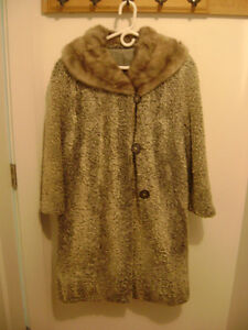 "Vintage ""Poodle"" Coat Fur Mink Collar"