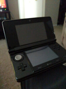Hacked 3ds w/ 32 gb sd card (no chord)