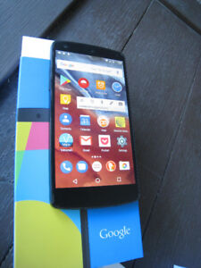 Nexus 5 - unlocked cell phone from LG with all packaging +extras