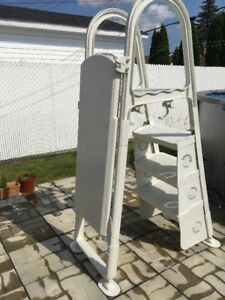Ladder for Above ground Pool - Échelle pour piscine hors terre