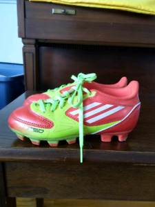 Kids Adidas cleated soccer shoes size 11K