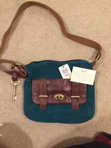 BRAND NEW GENUINE LEATHER FOSSIL PURSE