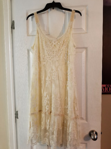 Beautiful Cream lace Dress, Mint Condition