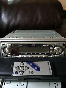 Radio auto JVC face détachable