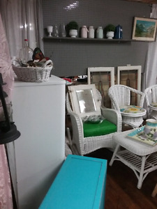Painted furniture, collectibles lighting plus 1000 booths