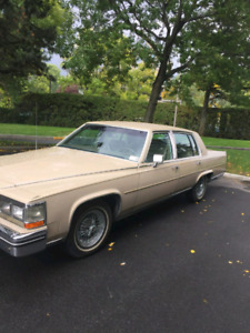 Cadillac Fleetwood  1985 No rust EXCELLENT CONDITION