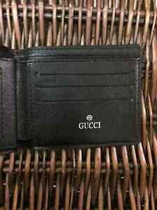 Selling Leather Gucci Wallet