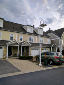 Beautiful Upscale Townhome 3 BDR Frenchman's Bay  Jan 1st