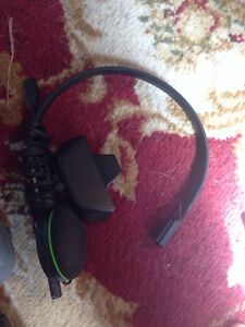 Xbox One 1TB + 2 controllers + Headset Stratford Kitchener Area image 4