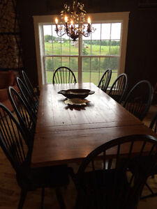 9ft harvest table and chairs