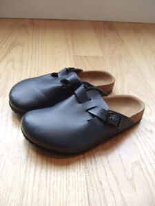 BIRKENSTOCK Girls Shoes - Size 32 Euro (1 US), Navy