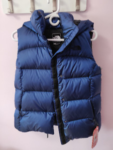 XS North Face Nuptse Vest with hood NWT $120 OBO