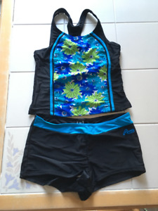 Girls Roots Tankini in size 16