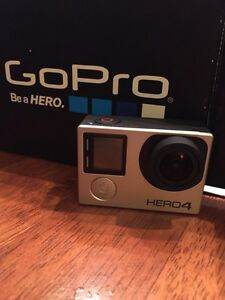 GO pro Hero 4 Silver et ses accessoires Gatineau Ottawa / Gatineau Area image 1