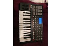 Akai Professional MPK25 25-Key USB MIDI Keyboard Controller Barely Used