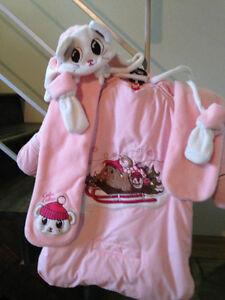 NEUF jamais porté habit d'hiver pour bébé Câlin Câline 0-3 mois