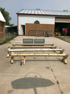 Brush box , cavaletti and jump cups