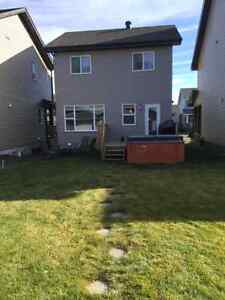 1800 SQFT on 3 levels, new home, hot tub, two car garage, deck, Strathcona County Edmonton Area image 3