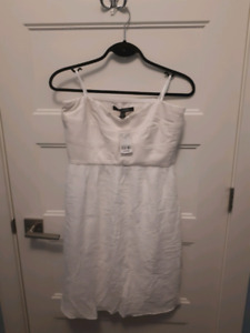 Strapless white Le Chateau dress NWT