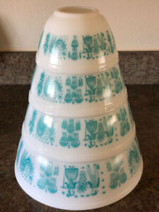 PYREX Butterprint Turquoise Complete Mixing Bowl Set