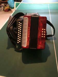 FOR SALE:  HOHNER ERICA ACCORDION IN G/C