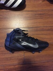 Nike football cleats size 10