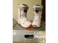 Thirty two snowboard boots size 4