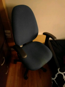 2 Study table chairs