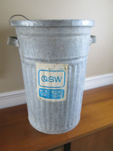 vtg Industrial galvanized GSW garbage can with lid