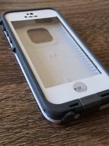 LIKE NEW CONDITION LifeProof iPhone 5/5s case