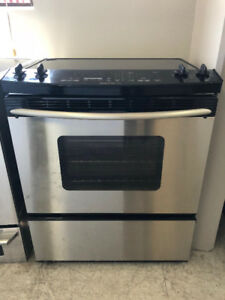 Cuisiniere stainless Kitchen Aid /convection