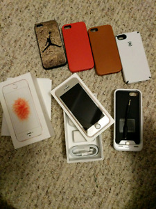 64gb 10/10 Condition Iphone SE with apple care. + 5 cases wi
