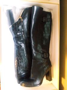 Beautiful MK Michael Kors Boots