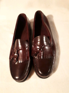 Men's dress shoes size 11 named Dexter's brand new