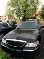 2005 Lincoln Town Car Executive L Sedan