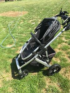 Uppababy Stroller and bassinet,   Kawartha Lakes Peterborough Area image 4
