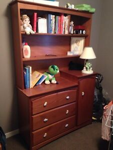 EXCELLENT Condition Nursery w/ Room 2 Grow