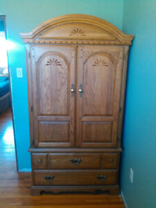 Solid oak TV cabinet, good condition